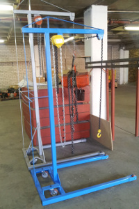 Lift and carry gantry